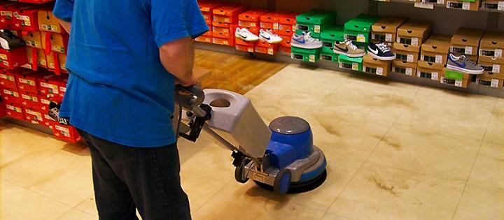 Strojové čištění podlah a koberců Brno