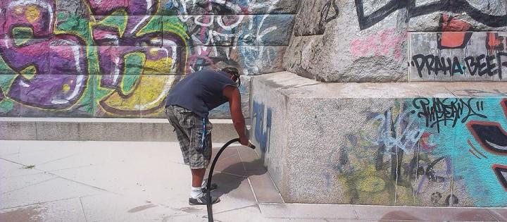 odstranění grafiti