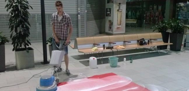 Strojní čištění koberců v obchodních centrech Brno